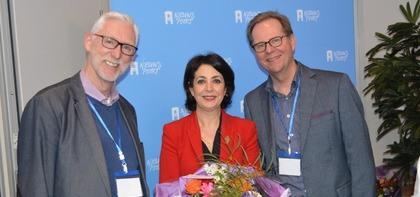Organisatoren Respect2020: Sjors van der Kraan en Kees Hazeleger samen met Kamervoorzitter Arib