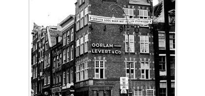 Spandoek in Amsterdam. (ca 1960)